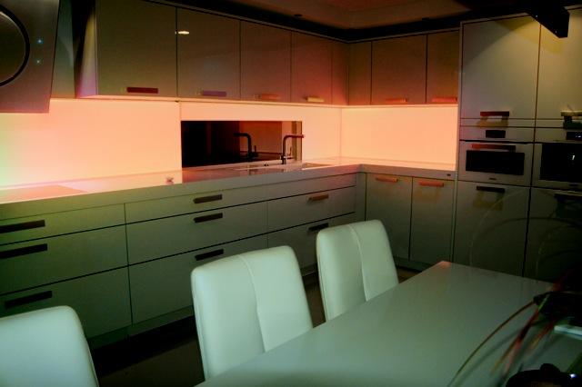 Küchenrückwand aus Glas mit LED-Beleuchtung - Küchenrückwandglas
